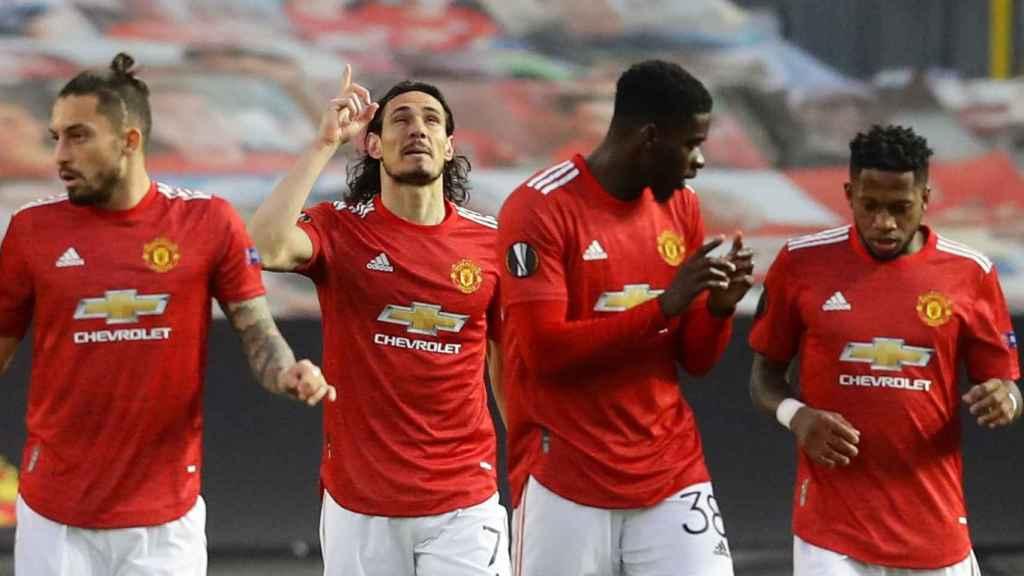 Cavani celebra su gol con el Manchester United ante el Granada