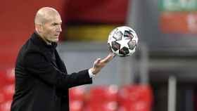 Zinedine Zidane, en Anfield