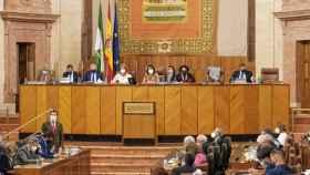 El presidente de la Junta de Andalucía, Juanma Moreno, en el Parlamento andaluz.