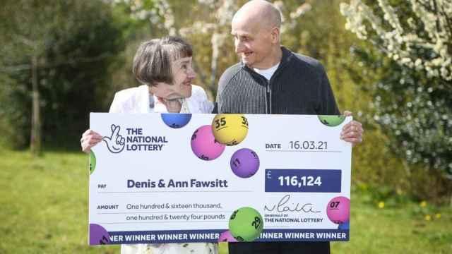 Denis y Ann Fawsitt, el matrimonio galardonado.