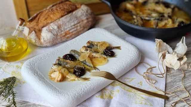 Sardinas escabechadas, sarde in saor