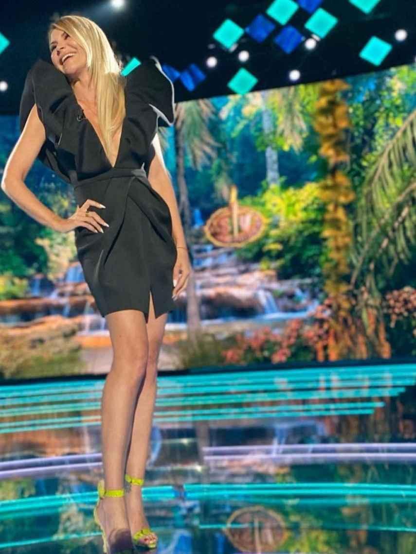 Ana presume de su 'look' en la última gala de 'SV'.