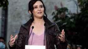 Isabel Díaz Ayuso pronuncia un discurso durante su visita a Arganda del Rey.