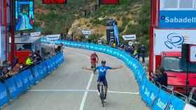 Enrci Mas gana en la Volta a la Comunidad Valenciana