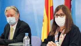 La gerente del Sescam, Regina Leal, en la presentación del doctor Juan Luis Bardají Mayor como nuevo gerente del Área Integrada de Cuenca
