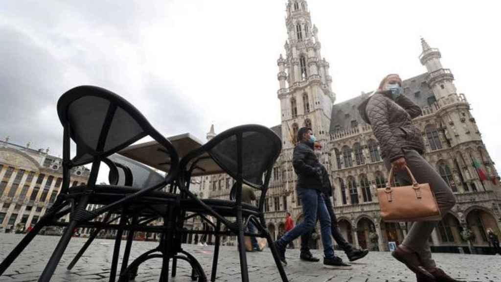 La Grand Place de Bruselas en plena pandemia.