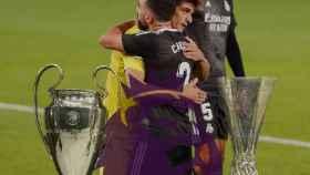 Los trofeos de la UEFA Champions League, la Supercopa de la UEFA Super Cup y la UEFA Europa League.