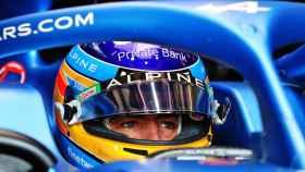 Fernando Alonso en su A521  en Imola