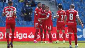 Fernando Reges celebra con sus compañeros su gol ante la Real Sociedad