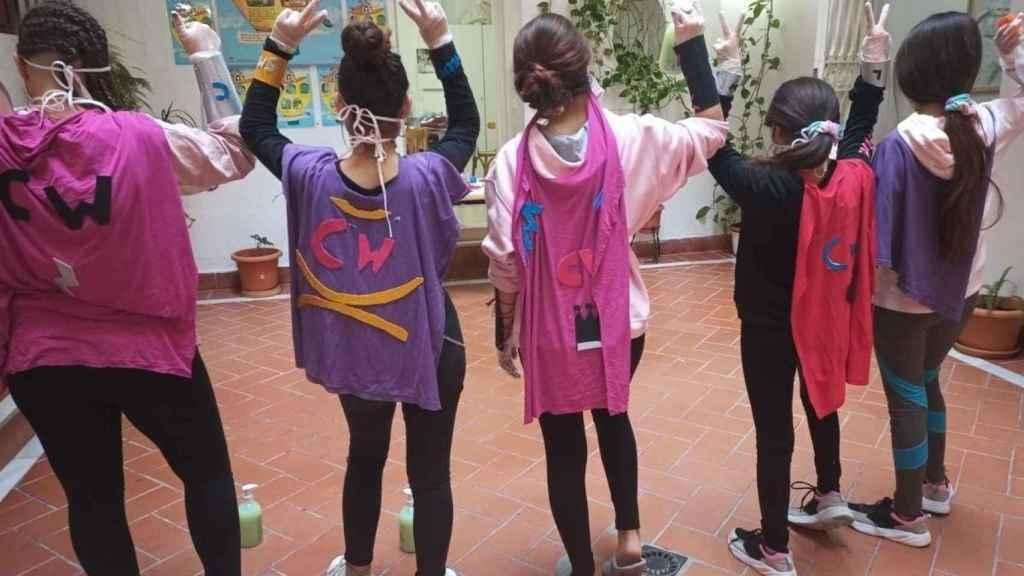Un grupo de menores tuteladas en un centro de Andalucía.