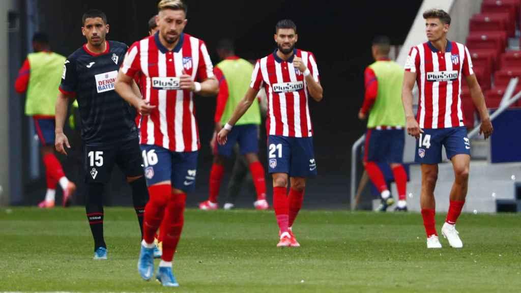 Yannick Carrasco celebra su gol en el Atlético de Madrid - Eibar