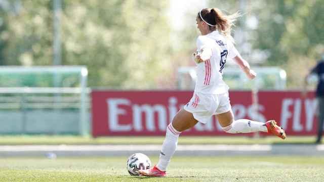 Kosovare Asllani lanza un penalti con el Real Madrid Femenino