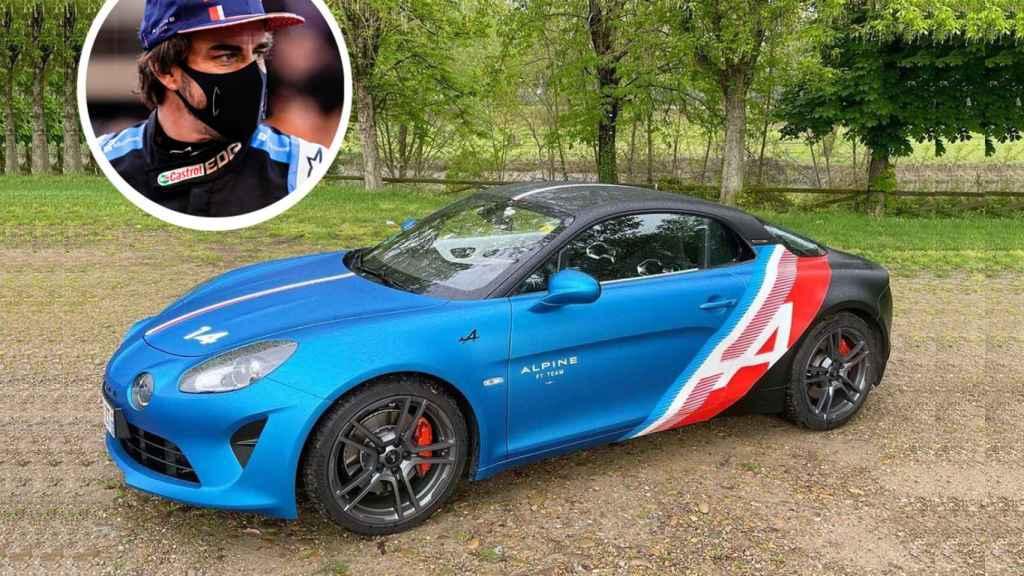 El nuevo coche de Fernando Alonso, un Alpine A110 con los colores de su monoplaza.