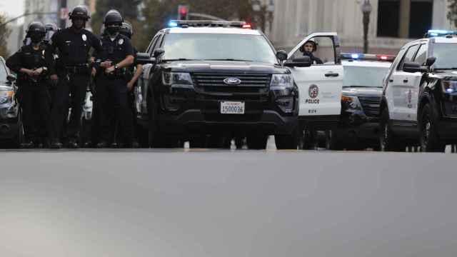 Varios coches de policía en EEUU.