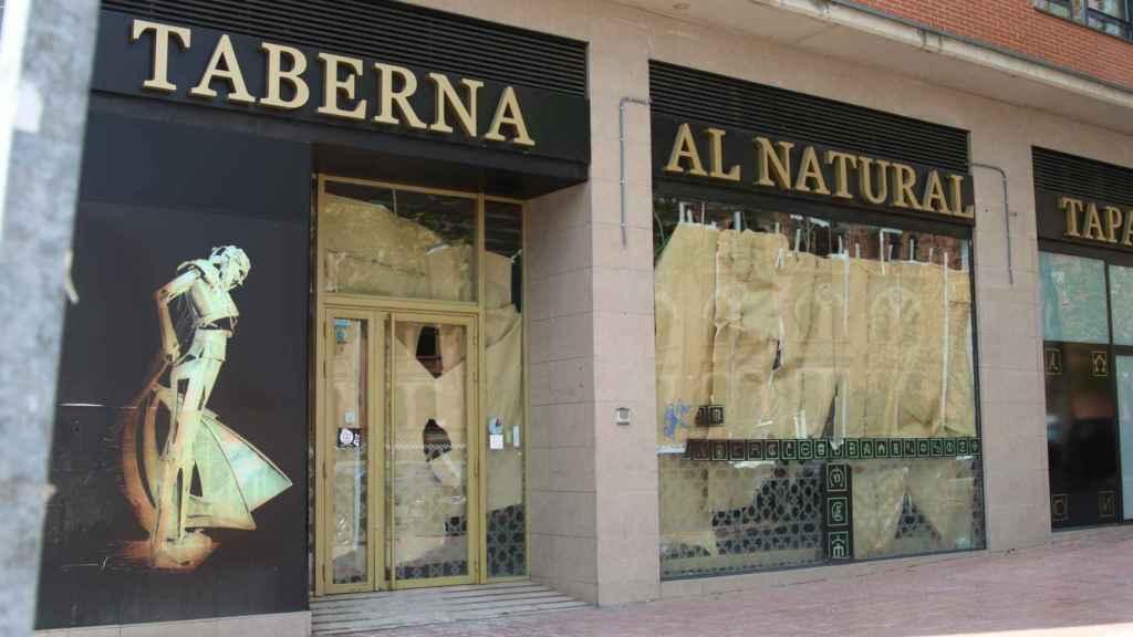 La taberna Al Natural cerrada tras apenas año y medio de actividad.