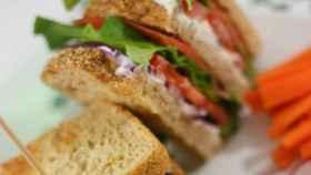 Un sándwich listo para ser devorado.