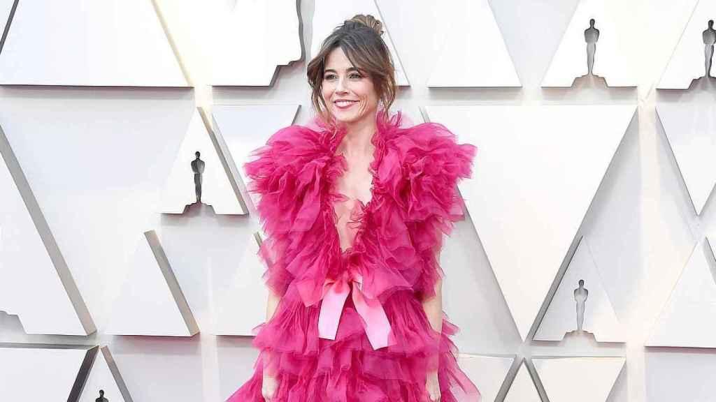 Linda Cardellni con un vestido de Schiaparelli en los Oscar 2019.