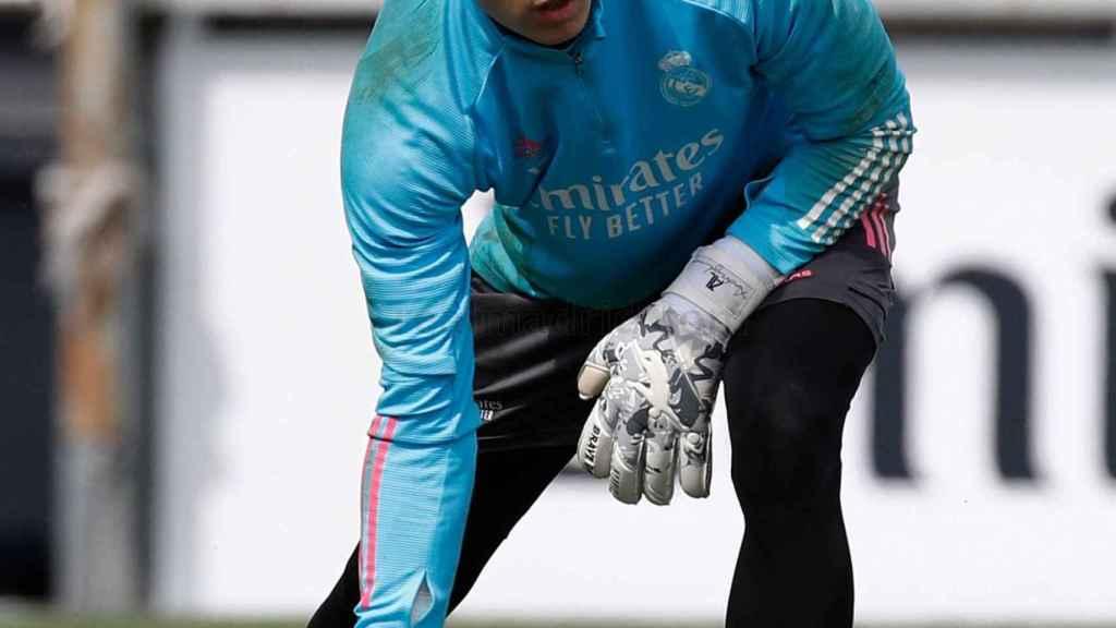 Andriy Lunin, durante un entrenamiento del Real Madrid