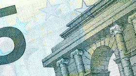 Un billete de cinco euros.