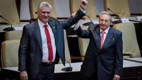 Miguel Díaz-Canel y Raúl Castro en una imagen de archivo.