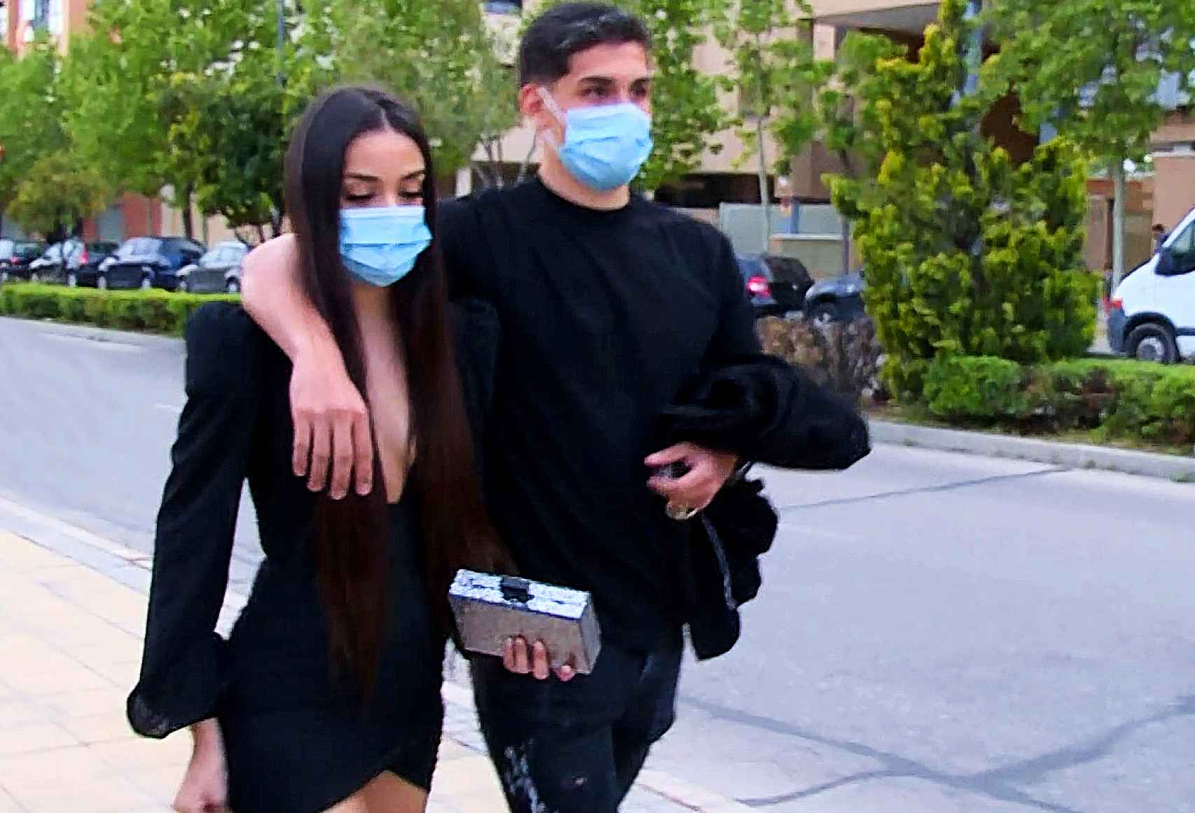 Julia y su novio, Brayan Mejía, cenaron juntos por el cumpleaños de la joven.