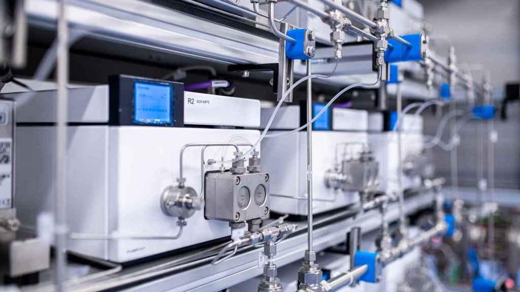 Una de las salas de formulación de la planta de Pfizer en Puurs (Bélgica).