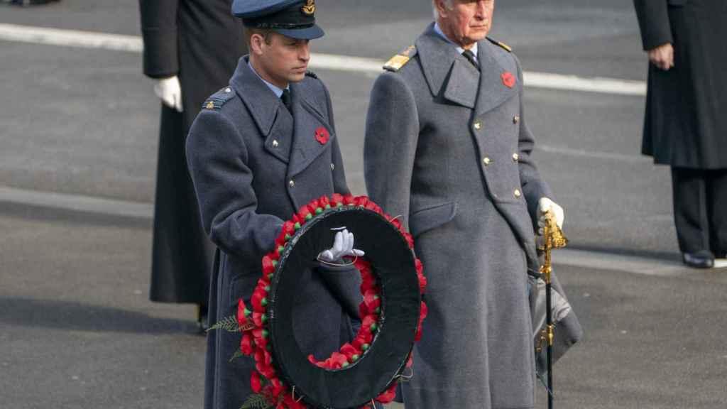 Carlos y Guillermo, los herederos al trono, en un acto en Reino Unido.