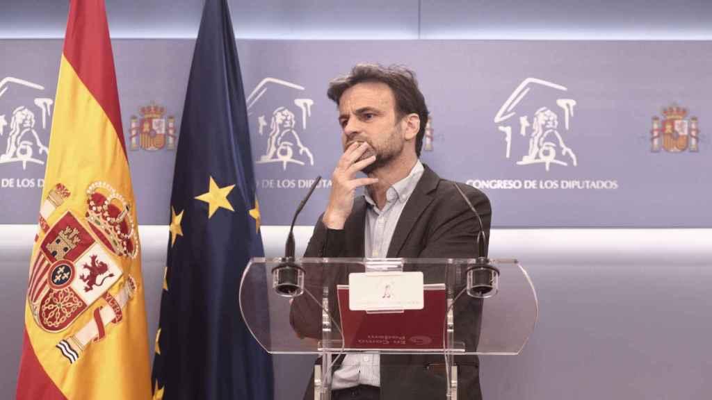 Jaume Asens, presidente del Grupo Parlamentario de Unidas Podemos, en rueda de prensa desde el Congreso.