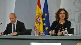 Juan Carlos Campo y María Jesús Montero, en la rueda de prensa posterior al Consejo de Ministros.