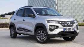 El nuevo Dacia Spring es un coche 100% eléctrico que con el Moves se queda en 9.550 euros.