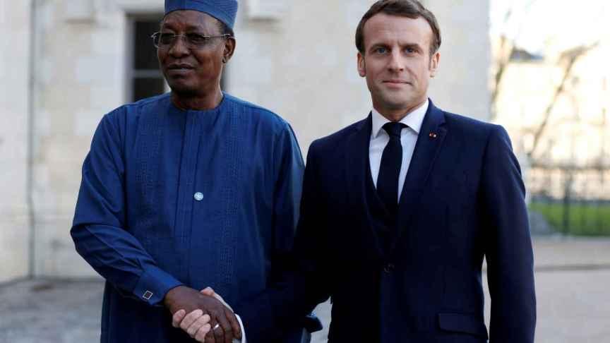 Idriss Deby junto a Emmanuel Macron.