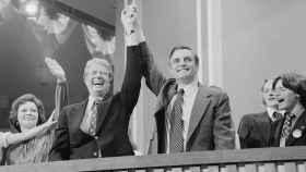 Jimmy Carter y Walter Mondale en la Convención Nacional Demócrata en 1976 en Nueva York.