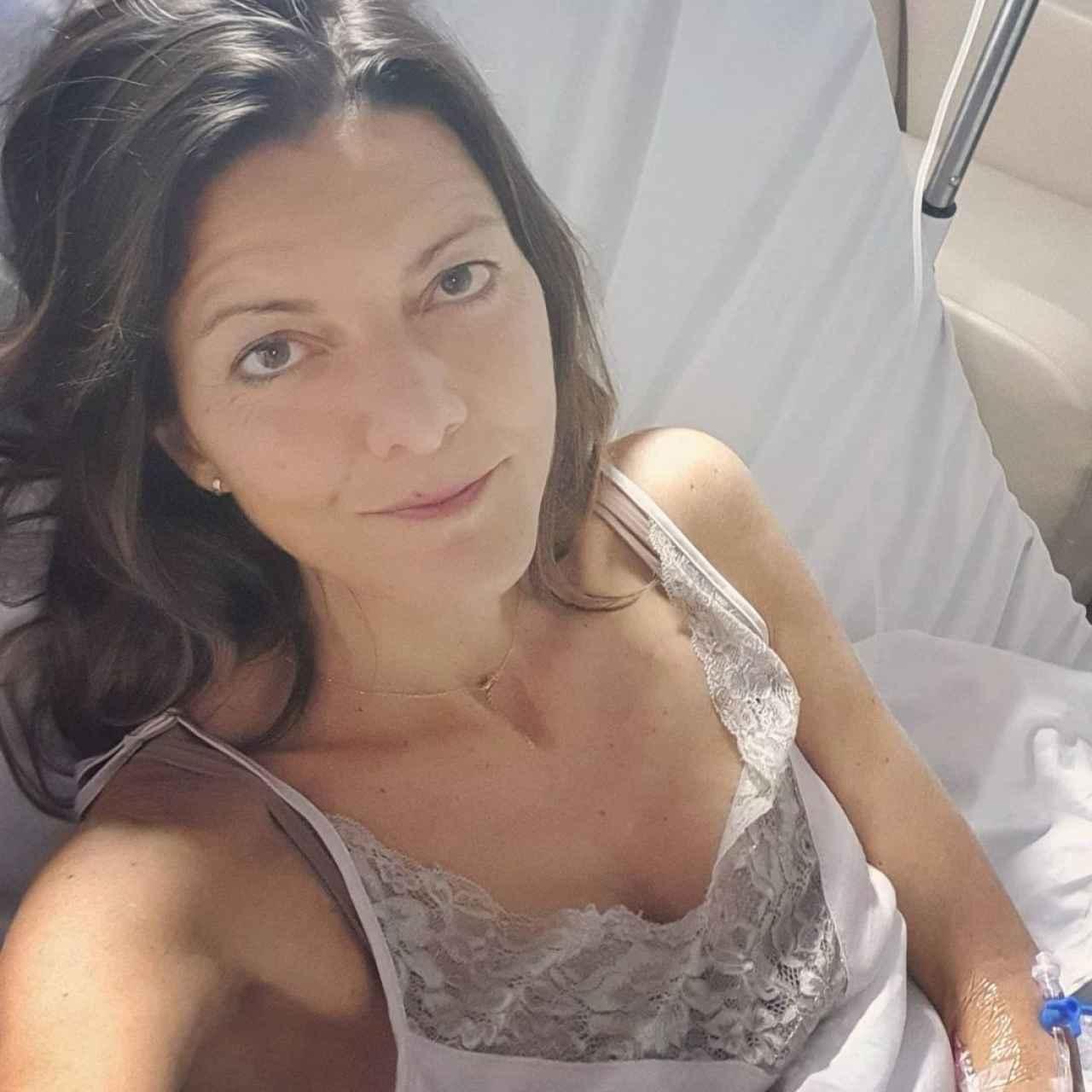HImar desde la cama del hospital donde estuvo ingresada.