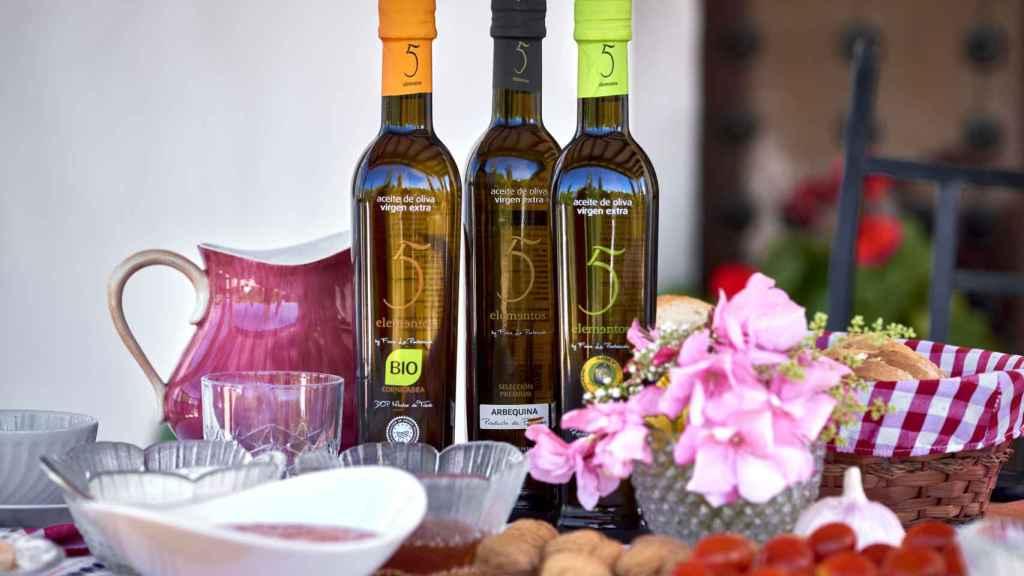 La almazara Finca La Pontezuela produce varios tipos de aceites de oliva virgen extra.