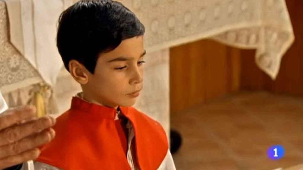 Daniel Arias interpretó a un monaguillo en un capítulo de la undécima temporada.