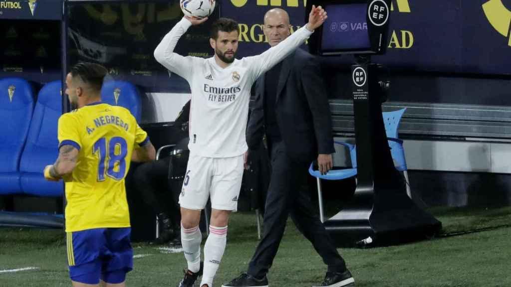 Zidane sigue de cerca los pasos de los jugadores del Real Madrid ante el Cádiz