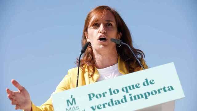 La candidata de Más Madrid, Mónica García, en un acto electoral en Vallecas.