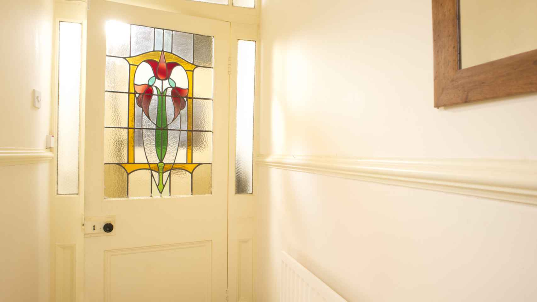 Vinilos decorativos para ventanas con los que ganar privacidad sin perder luz