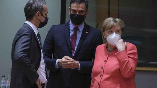 Pedro Sánchez y Angela Merkel, durante una reunión del Consejo Europeo