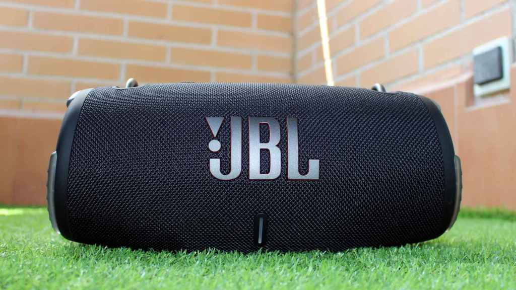 JBL Xtreme 3, un altavoz Bluetooth potente.