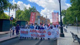 Protesta de los trabajadores de Abengoa este jueves en Sevilla.