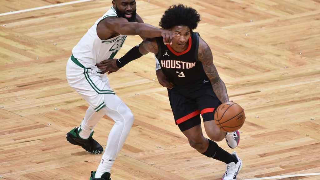 Kevin Porter Jr en un partido con los Houston Rockets