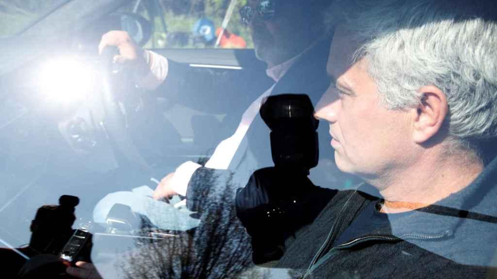 Mourinho abandonando la ciudad deportiva del Tottenham
