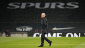 Mourinho en su último partido como entrenador del Tottenham
