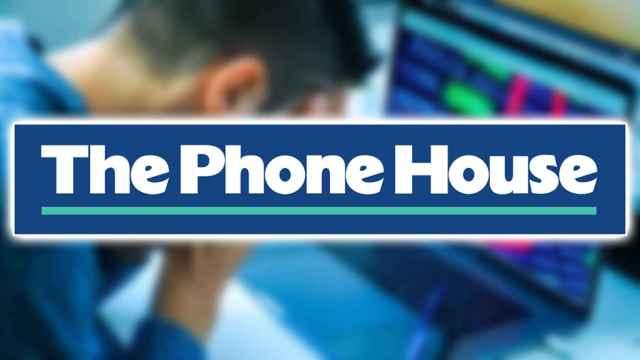 Fotomontaje con el logo de Phone House