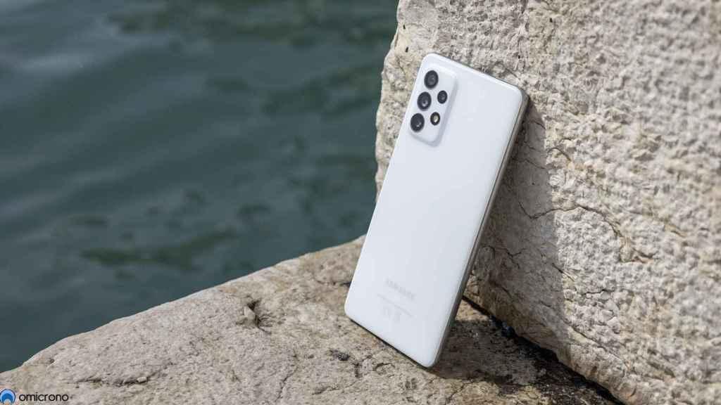 Samsung Galaxy A72.