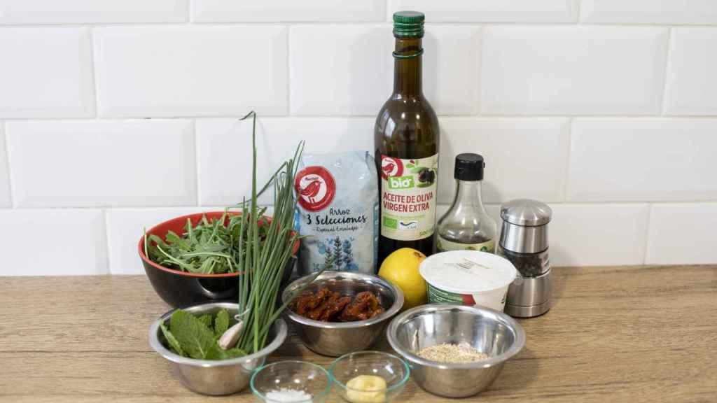 Los ingredientes empleados para elaborar la ensalada de arroz inventada por Bárbara Buenache.