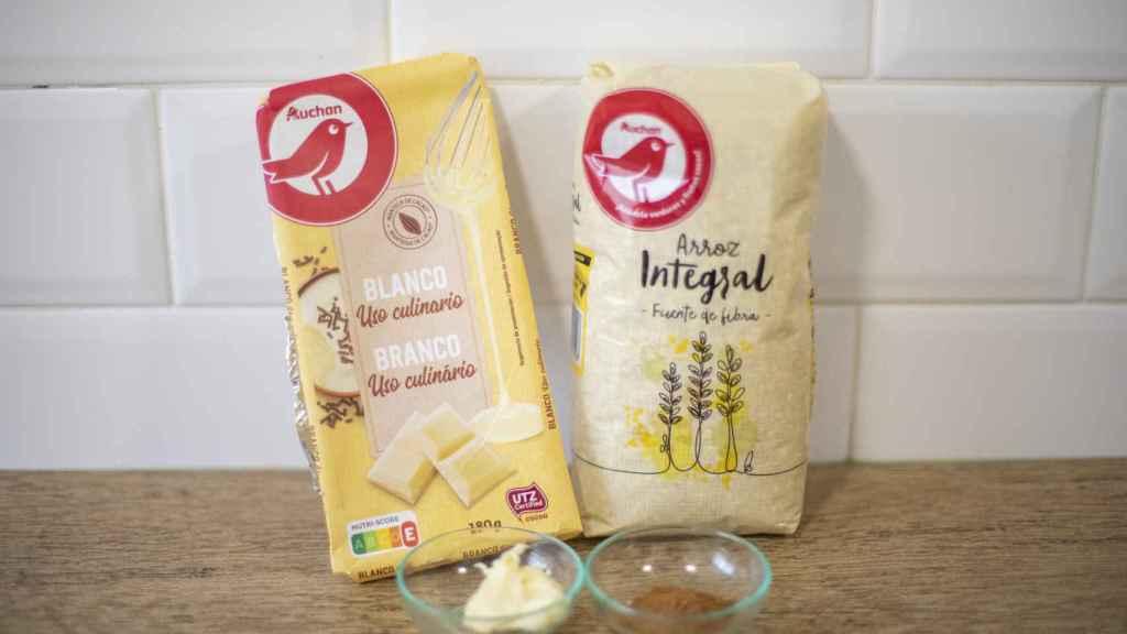 Los ingredientes usados por Bárbara Buenache para hacer las galletas de arroz con leche integral.