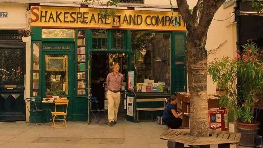 Owen Wilson en 'Medianoche en París' (2011). Fotograma de la película.