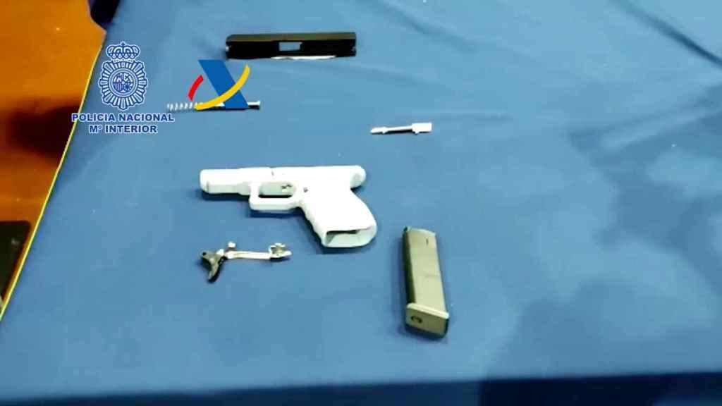 Una de las pistolas fabricadas por esa impresora incautada.